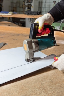 Sheet metal cutting electric shears cutting of metal sheets