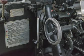 バンコクのプリンタのシートオフセットマシンのレトロスタイル