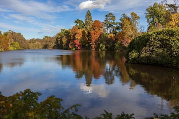 가을의 셰필드 공원 정원