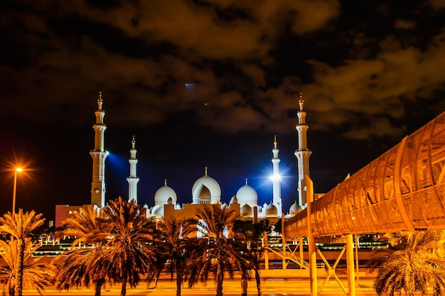 Sheikh zayed mosque in abu-dhabi, one of the most famous landmark of united arab emirates