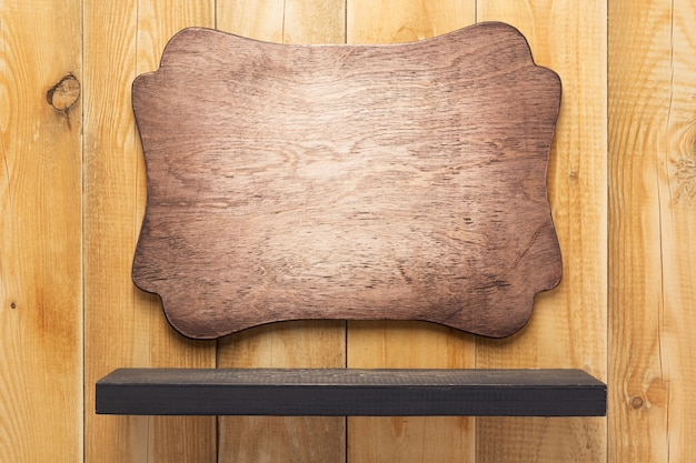 Полка и деревянная стена фоновой текстуры поверхности
