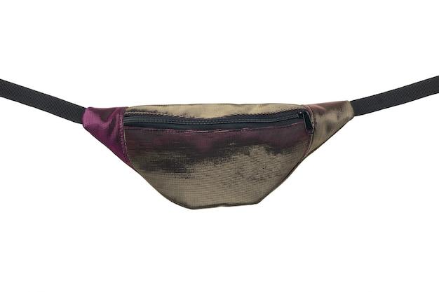 반짝이 갈색 핑크 벨트 가방 흰색 배경에 고립. 확대.