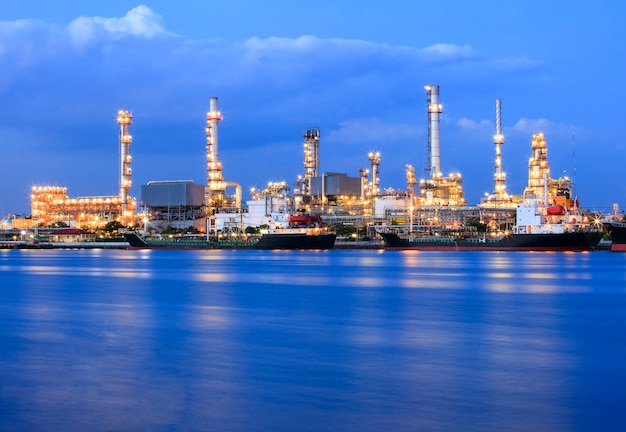 Ship port and oil refinery plant
