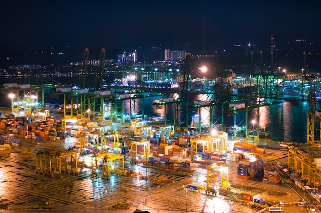 Shipping port of singapore