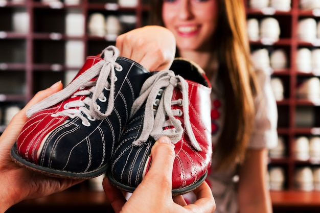 Shoes for bowling