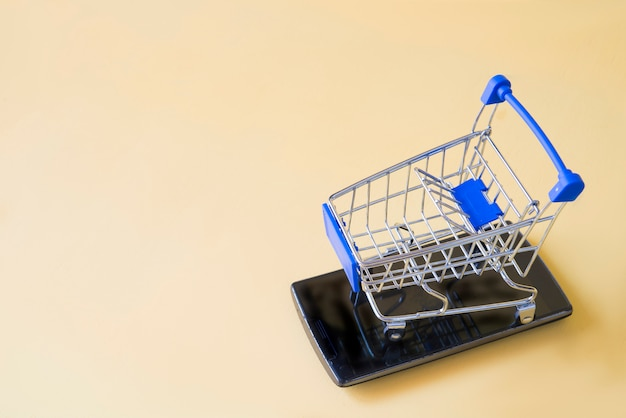 Shooping cart with mobile concept