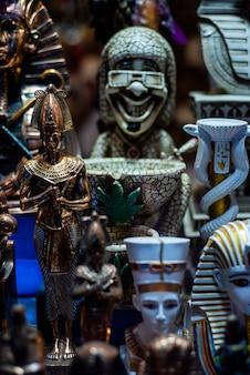 Shop with egyptian souvenirs for tourists Premium Photo