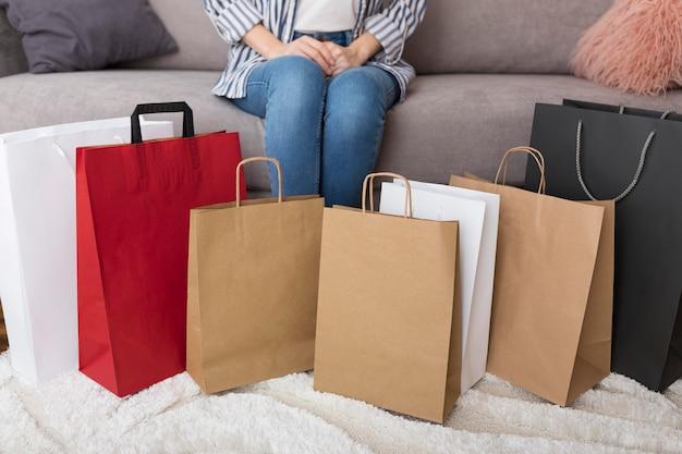 サイバーマンデーセールのショッピングバッグ