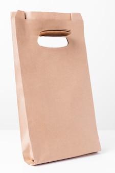 쇼핑 갈색 종이 봉지 측면보기