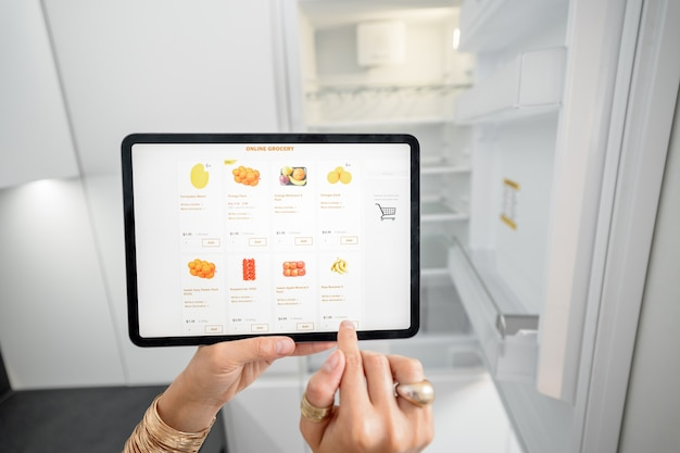 Shopping groceries online using a digital tablet