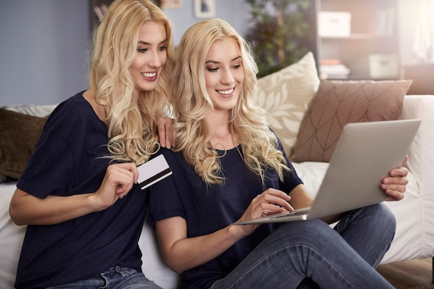 Shopping online with twin sister
