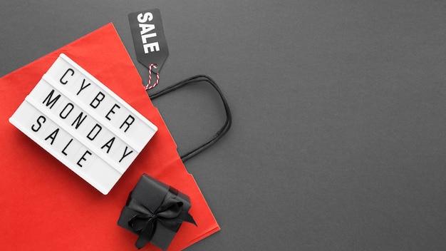 Shopping borsa rossa cyber lunedì vendita