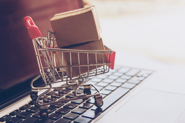 Shopping service on the online web