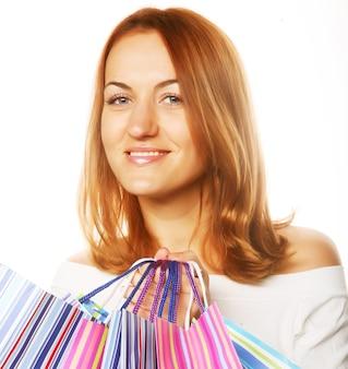 Сексуальная женщина покупок. молодые и счастливые.
