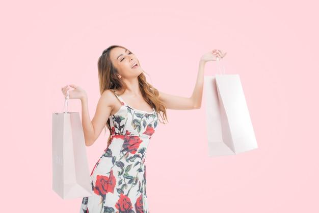 쇼핑 여자 초상화입니다.