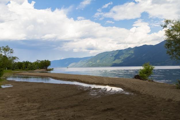 The shore of the mountain lake