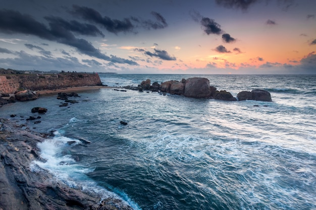The shores of the indian ocean next to galle.