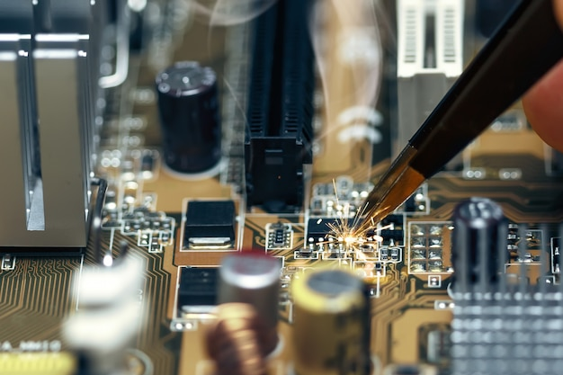 Short circuit on the motherboard
