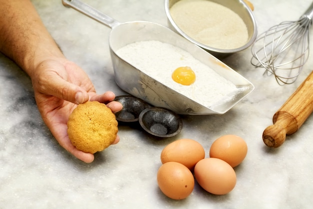 Short pastry cookie and ingredients