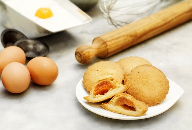 Short pastry cookies with ingredients