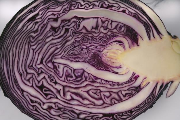 紫キャベツを半分に割ったショートプラン