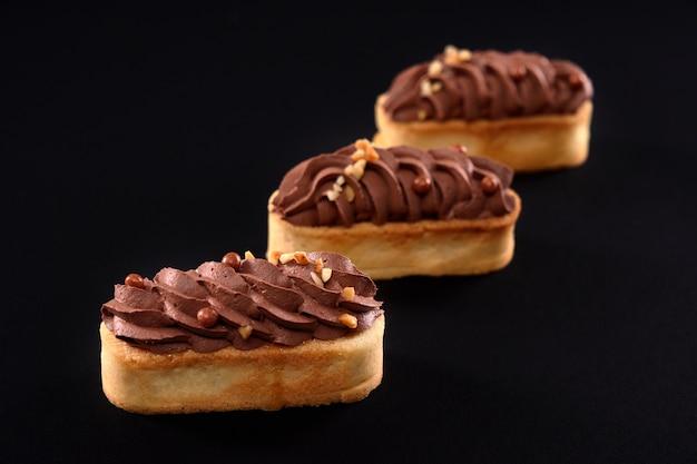 ホイップブラウンチョコレートクリームマスカルポーネとショートブレッドビスケットクッキー
