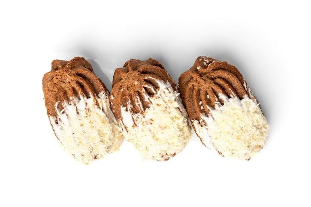 Песочное печенье с арахисом и кокосом