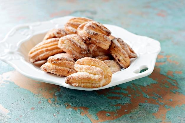 ショートブレッドカッテージチーズクッキー。ガチョウの足のクッキー