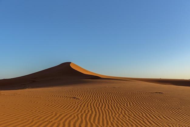 Colpo di dune nel deserto del sahara, marocco