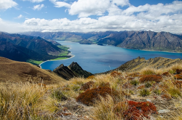 Shot of the isthmus peak and a lake in new zealand