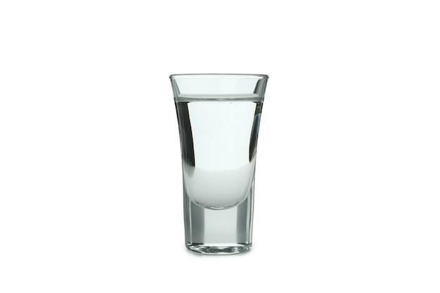 Выстрел водки, изолированные на белой поверхности