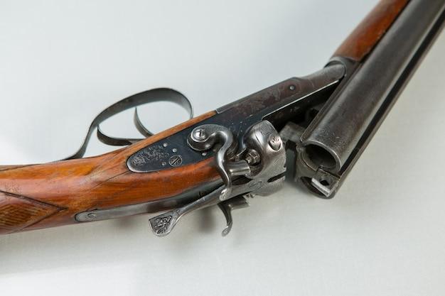 ショットガン、ハンティングカートリッジ、ハンティング弾薬 Premium写真