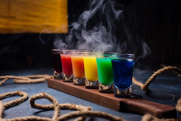 Scatti di diverse bevande alcoliche