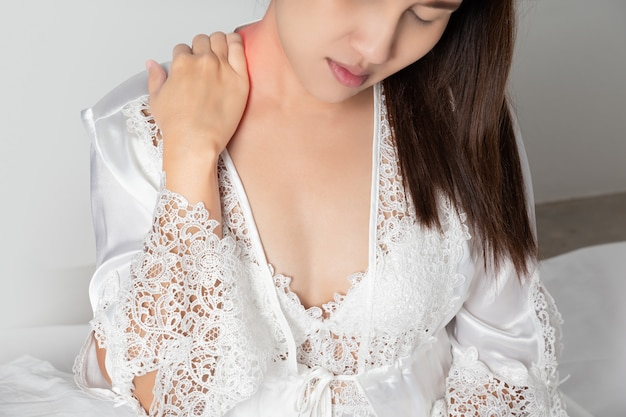 Shoulder pain or dislocated shoulder in a woman