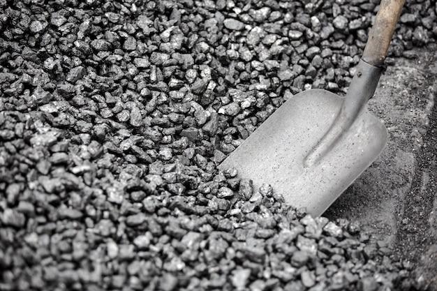 Shovel taking coal