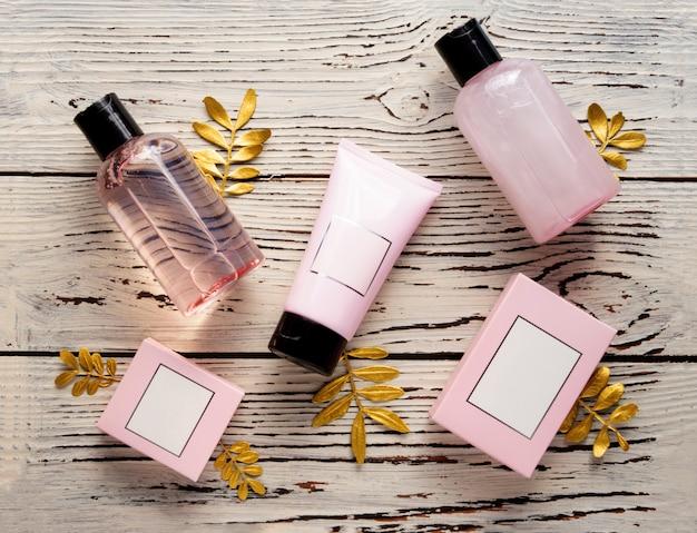 Shower gel, solid soap, bath salt