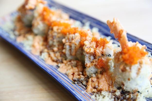 Креветки темпура маки суши японская кухня