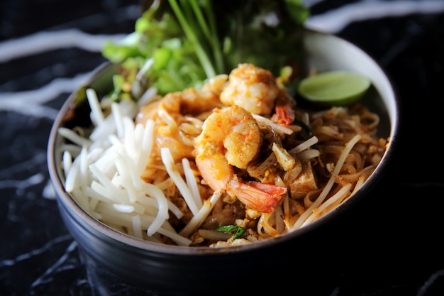 エビパッタイタイ料理麺