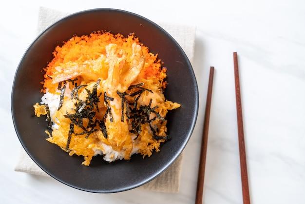 Shrimps tempura rice bowl with shrimp egg and seaweed