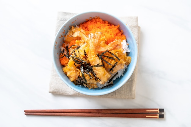 Shrimps tempura rice bowl with shrimp egg and seaweed