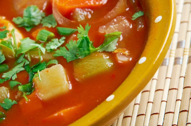 Shurpa-ウズベキスタン料理ñž七面鳥のトマトスープ