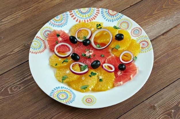 Сицилийский апельсиновый салат - типичное салатное блюдо испанской и сицилийской кухни.