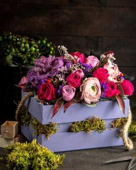 Смешанная цветочная композиция side vieq