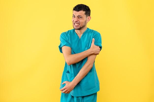 Vista laterale una mano del medico del medico fa male