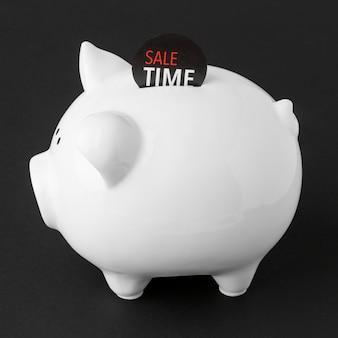 セールラベル付き横向き貯金箱