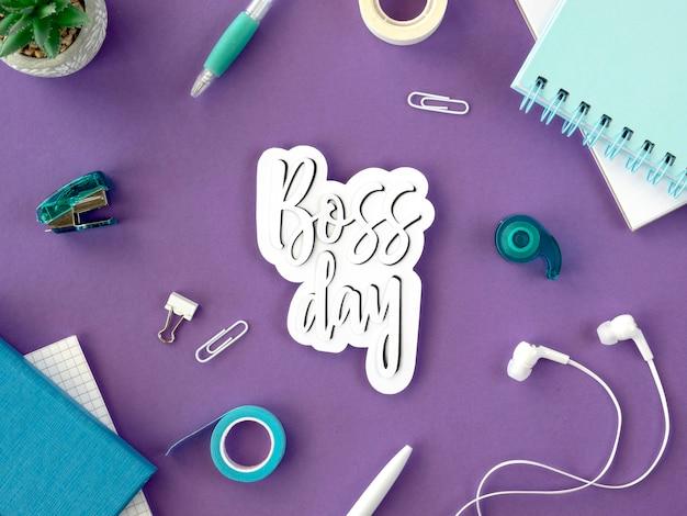 Iscriviti con il giorno del capo sulla scrivania
