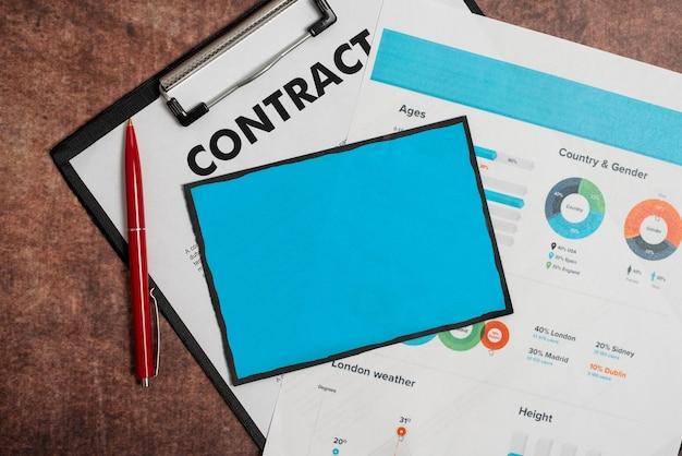 新しい契約の署名、取引の成立、住宅ローンの決済と計算、チャートと表を使用した将来の債務の計画、住宅の分割払いの進捗状況のアイデア
