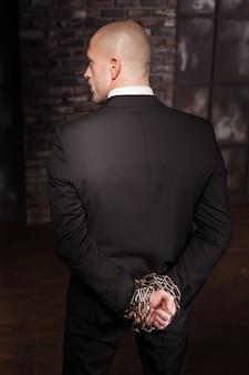 鉄の鎖で手でサイレント暗殺者