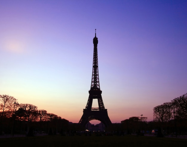 Silhouette of eiffel tower in the evening