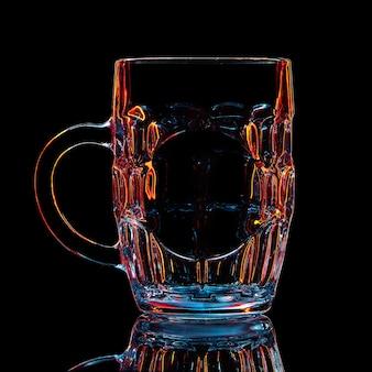 黒のカラフルなビアグラスのシルエット